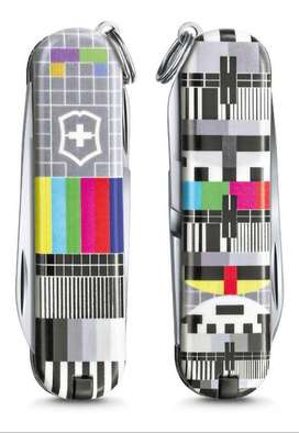 Navaja Victorinox Classic Sd 2021 Retro Tv Edicion Limitada
