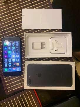 Iphone 7 plus 256 gb negro mate. Caja factira cargador y manos libres. Incluye funda game play con 36 juegos