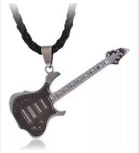 Collar dije Guitarra en acero
