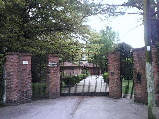 Alquilo Casa Quinta espectacular Quincho, piscina,futbol Ezeiza 0