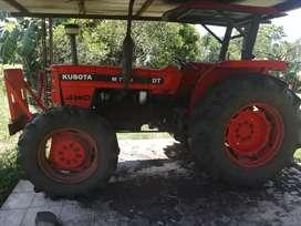Vendo tractor con implementos