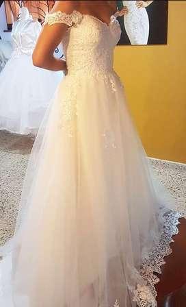 Vestido de Matrimonio manga casquillo