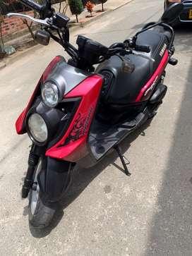 Vendo Moto BWS X Motoard Roja en muy buenas condiciones