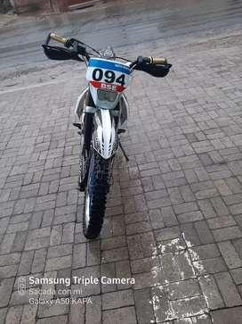 Vendo moto bosuer bien conservada año 2018 salida 2019
