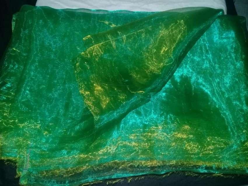 Tela organza tornasol verde claro