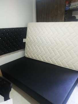 Se vende cama y colchon negociables