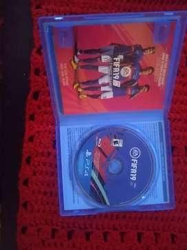 Vendo juego FIFA 19 para PS4 2000