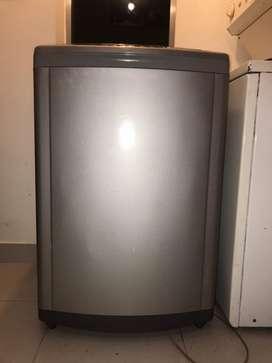 Vendo lavadora digital de 29 libras