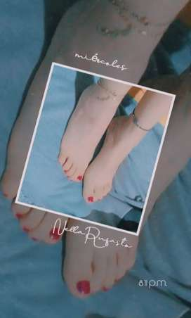 Sell edition photo of feet