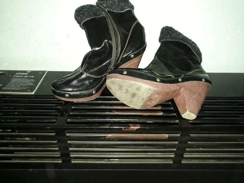 Vendo botas de dama usadas. 0