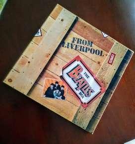 Caja clásica con grandes éxitos de Los Beatles