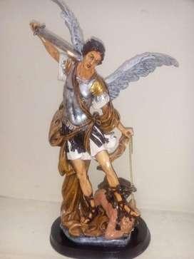 Figura de San Miguel Arcangel