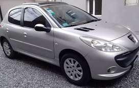 Vendo Peugeot 207 XT full - nafta 1.6