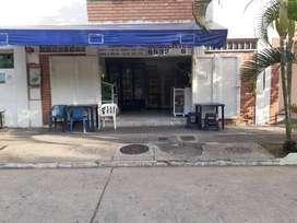 Venta de tienda en Giron conjunto cerrado