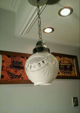 5 LAMPARAS COLGANTES DE CRISTAL TALLADO. CRISTALERIA SAN CARLOS. C/U $4000