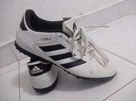 Zapatillas Adidas modelo copa