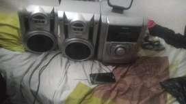 Vendo o cambio equipo de sonido panasonic