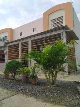 Casa esquinera en Urbanización Las Orquídeas 4