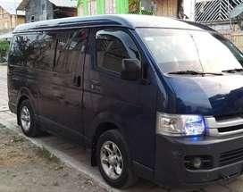 Se vende furgoneta TOYOTA  HIACE y se alquila para viajes dentro y fuera dela ciuda servicio 24/7