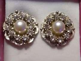 Aros rosetas con perlas y strass
