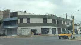 Venta Local Comercial Esquina Av America Sur y Av Gonzalez Prada en Trujillo