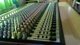 Consola audio 32 canales