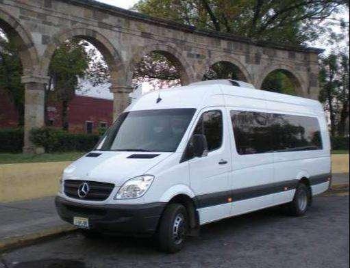 Servicios de transporte a nivel nacional servicio especial puerta a puerta en todas las ciudades