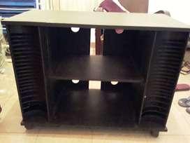 Mesa para tv y equipos con porta cds