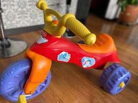 Triciclo usado para niños