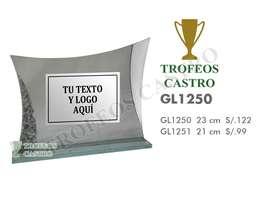 VIDRIO CON PLACA GRABADA PARA PREMIACIÓN O CONDECORACIÓN MODELO GL1250 - TROFEOS CASTRO
