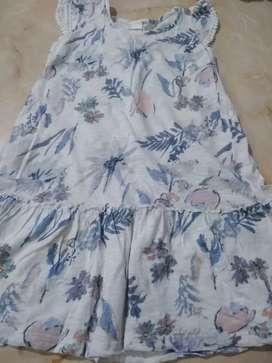 Vestido de nena Le Utthe