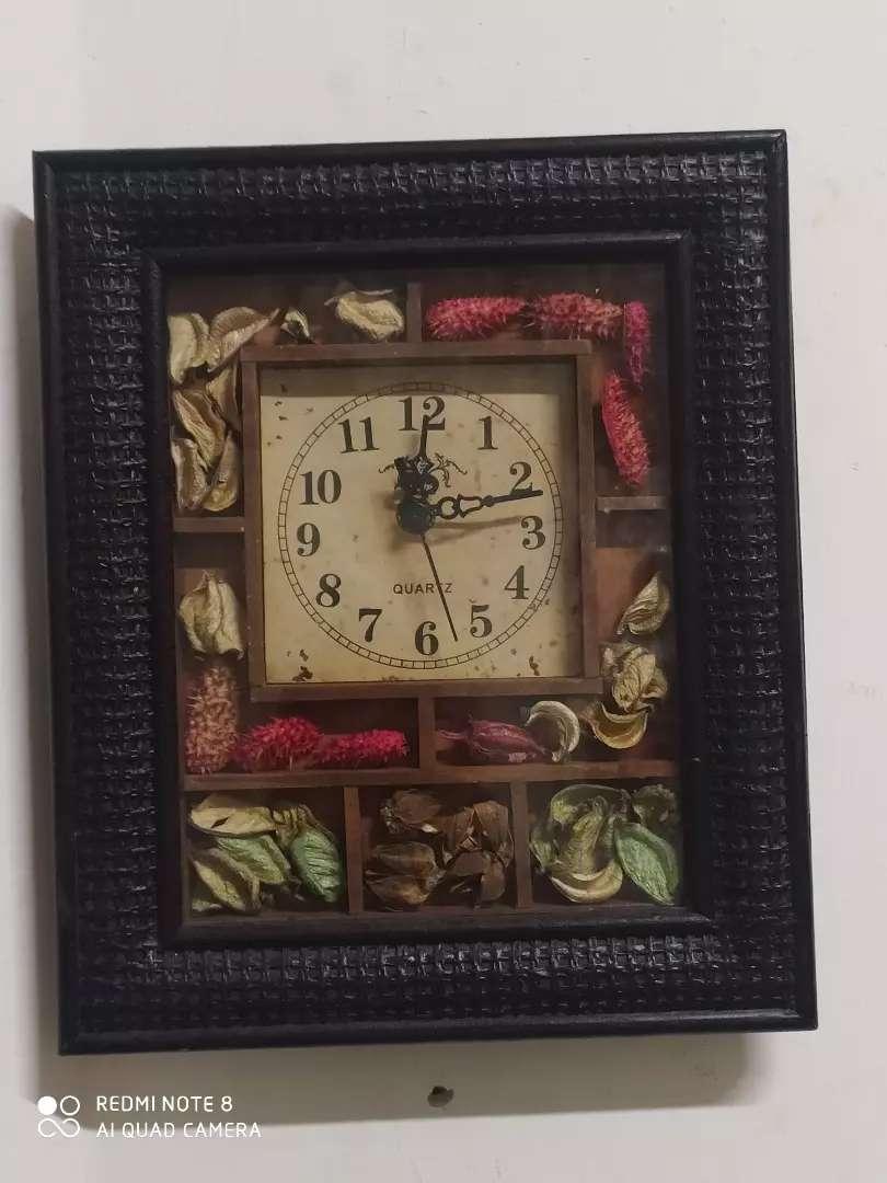 Reloj decorativo 0