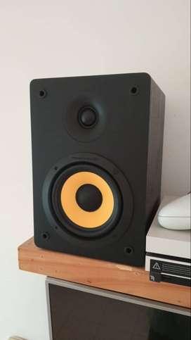 Parlante Thonet & Vander Bluetooth