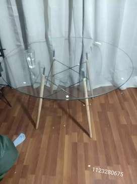 Mesa Eames vidrio templado