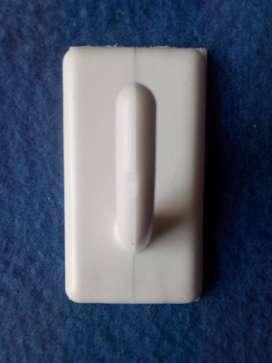 Ganchos Adhesivos plaqueta bolsa x 100 unidades