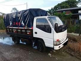 Lindo camión JMC de 2 toneladas en muy buen estado