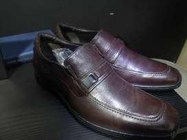 Zapatos formales DEMOCRATA (EN CUERO) Estilo mocasín - TALLA 38 (ESTAN NUEVOS)