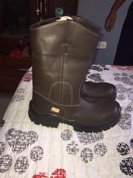 Bota de cuero / bota de caucho y guantes de tela