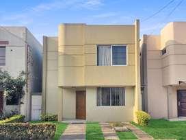 Vendo linda casa 2 plantas en Urb. Cataluña