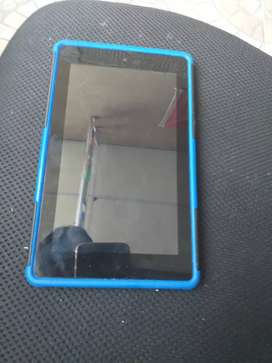 Se vende tablet Amazon fire impecable