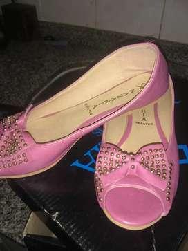 Zapatos á estrenár N 35
