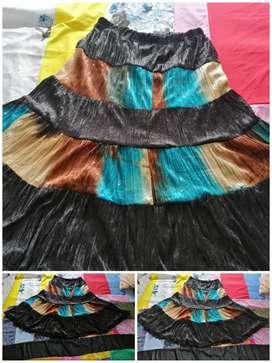 Falda tricolor como nueva L