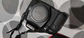Cámara CANON EOS 7D con lente 18-135mm. En muy buen estado