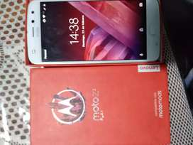 LIQUIDO MOTO Z2 PLAY GOLD EN CAJA IMPECABLE