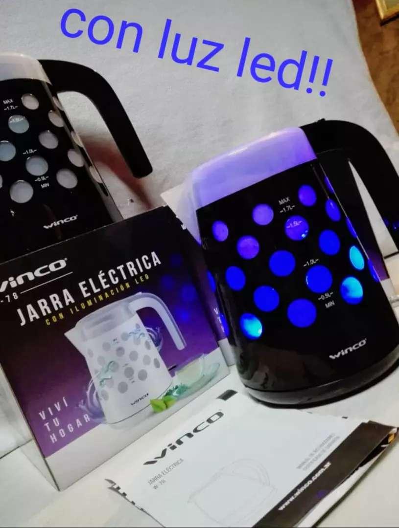 Jarras eléctricas winco con luz 0