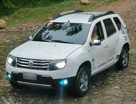 Camioneta 4x4, Renault Duster Dymanique 2.0., modelo 2014