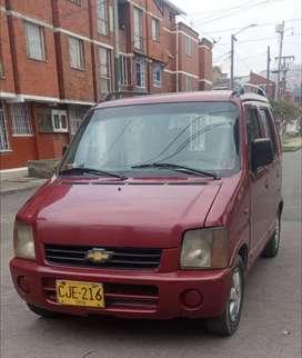 Camioneta chevrolet vago r, modelo 2000, vidrios delanteros y espejos electricos, aire acondicionado.