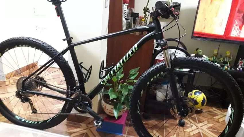 Vendo bicicleta Specialized Rockhopper 2019 0