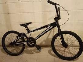 Vendo bicicleta Intense code pro