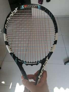 Se vende raqueta pure drive 300grs grip 3
